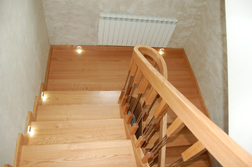 czy-myslales-o-zainstalowaniu-w-domu-schodow-dywanowych-img